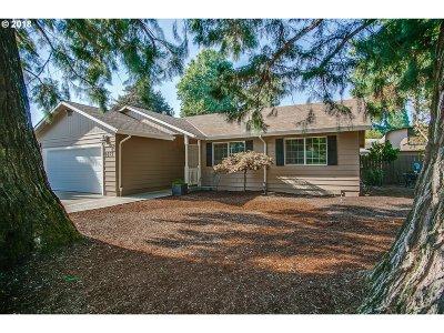 Hillsboro Single Family Home For Sale: 3675 SE Maple St