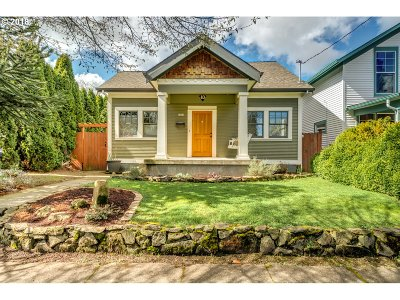 Portland Single Family Home For Sale: 3829 SE 69th Ave