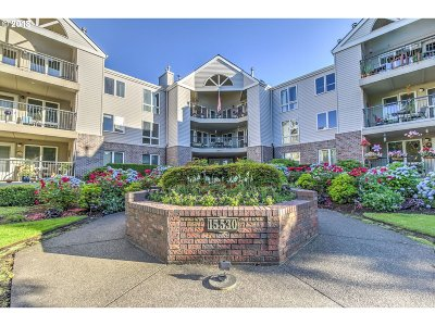 Portland Condo/Townhouse For Sale: 15530 NE Knott St #39