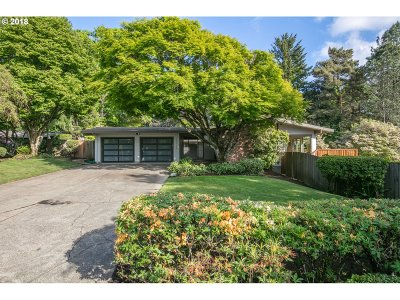 Portland Single Family Home For Sale: 12310 NW Maple Hill Ln