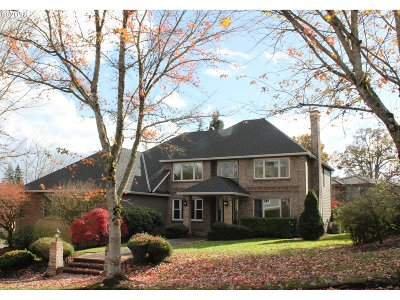 West Linn Single Family Home For Sale: 3590 Riverknoll Way