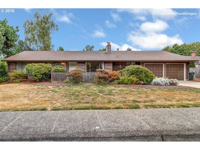 Single Family Home For Sale: 8435 SW Parkview Loop