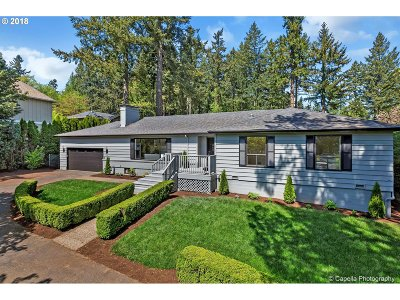 Lake Oswego Single Family Home For Sale: 605 Country Club Rd