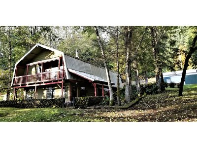 Cowlitz County Single Family Home For Sale: 8433 Lewis River Rd