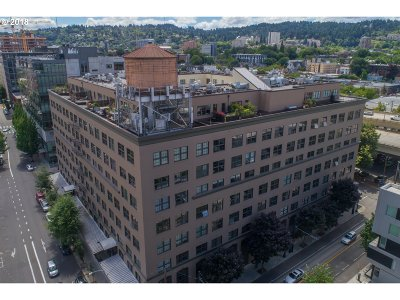 Portland Condo/Townhouse For Sale: 1420 NW Lovejoy St #702