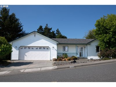 Brookings Single Family Home For Sale: 990 Hassett St