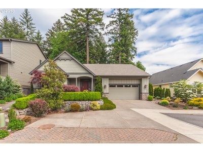 Portland Single Family Home For Sale: 9121 SW West Haven Dr