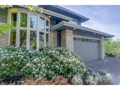 Single Family Home For Sale: 10024 NW Skyline Heights Dr