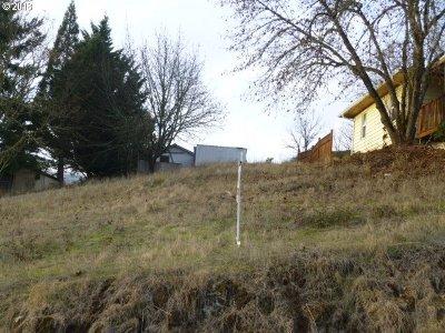 Roseburg Residential Lots & Land For Sale: 1636 SE Kane St
