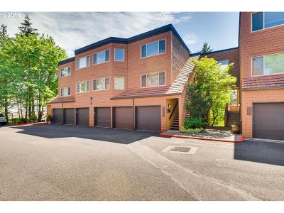 Lake Oswego Condo/Townhouse For Sale: 39 Oswego Smt