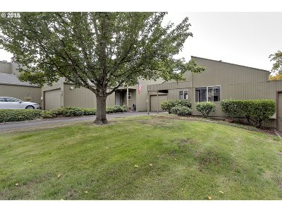 Beaverton Condo/Townhouse For Sale: 17622 NW Rolling Hill Ln
