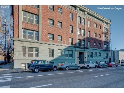 Portland Condo/Townhouse For Sale: 1631 NW Everett St #407
