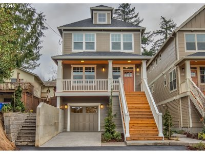 Portland Single Family Home For Sale: 7868 SW 30th Ave