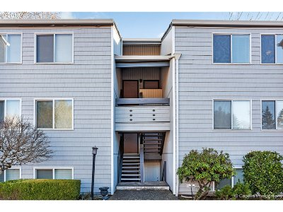 Lake Oswego Condo/Townhouse For Sale: 47 Eagle Crest Dr #11