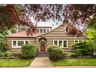 Portland Single Family Home For Sale: 1073 SE 60th Ave