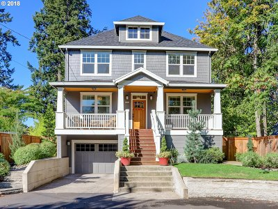 Portland Single Family Home For Sale: 7431 SW 51st Ave