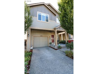 Single Family Home For Sale: 20876 SW Sister Ln