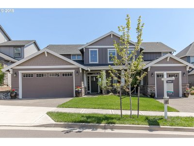 Happy Valley, Clackamas Single Family Home For Sale: 12662 SE Meadehill Ave