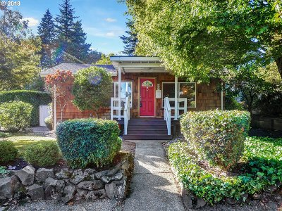 Lake Oswego Single Family Home For Sale: 304 6th St