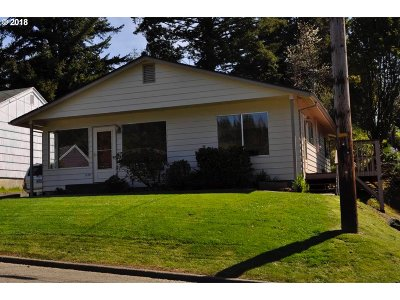Coquille OR Single Family Home For Sale: $155,900