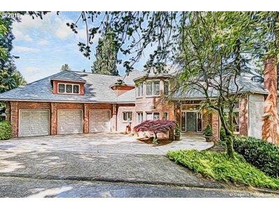 Clackamas County Single Family Home For Sale: 1949 Cedar Ct