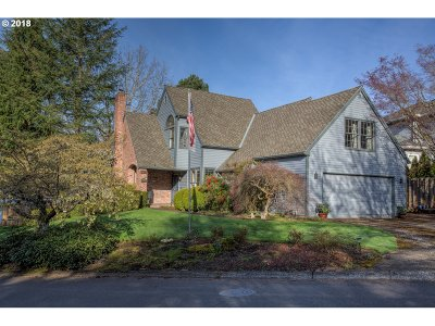 Lake Oswego Single Family Home For Sale: 4261 Glacier Lily St