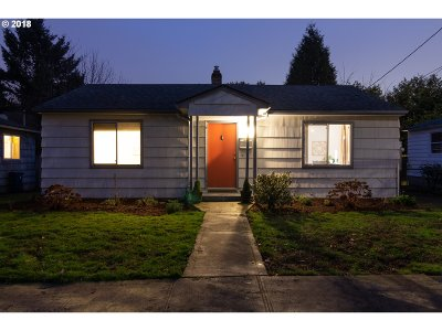 Single Family Home For Sale: 2888 SE Sherman St