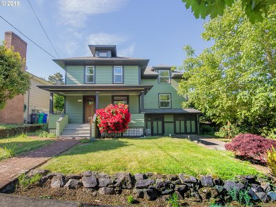 Single Family Home For Sale: 7233 SE Main St