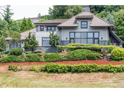 Happy Valley Single Family Home For Sale: 10235 SE Brookmore Ct
