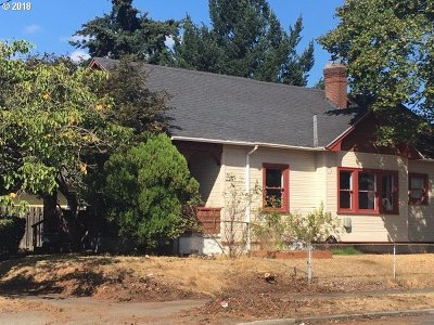 Portland Single Family Home For Sale: 204 NE 83rd Ave