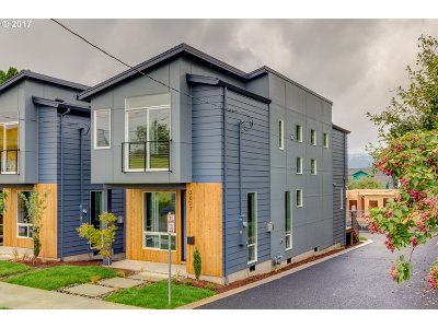 Portland Single Family Home For Sale: 3627 SE 28th Ave