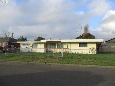 Coos Bay Single Family Home For Sale: 950 Garfield Ave
