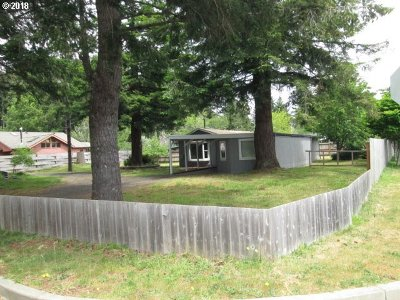 Bandon Single Family Home For Sale: 734 Michigan