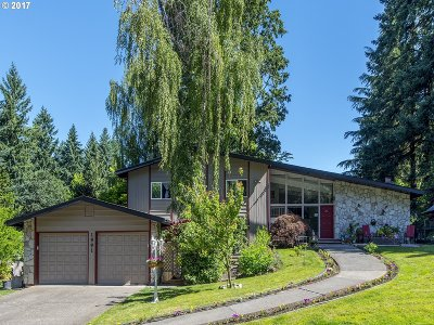 Lake Oswego Single Family Home For Sale: 1991 Greentree Rd