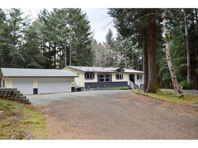 Gold Beach Single Family Home For Sale: 32775 Nesika Rd