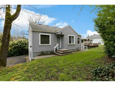 Single Family Home For Sale: 9540 SW Terwilliger Blvd