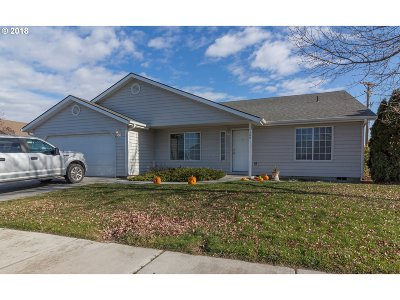 Hermiston Single Family Home For Sale: 1900 Prickly Pear Dr