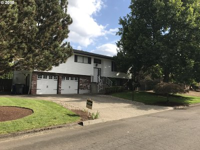 Clackamas County Single Family Home For Sale: 18920 Allegheny Dr