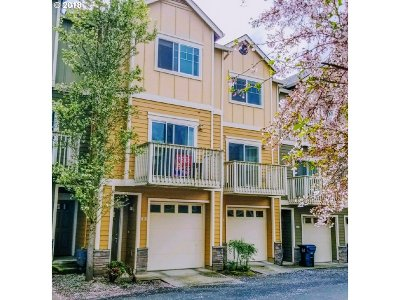Beaverton Condo/Townhouse For Sale: 18485 SW Stepping Stone Dr #51