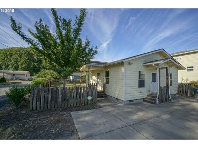 Springfield Single Family Home For Sale: 408 S 42nd Pl