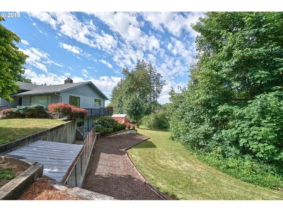 St. Helens Single Family Home For Sale: 61185 Perry Creek Rd