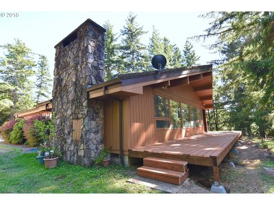 North Bend Single Family Home For Sale: 70841 Majestic Shores Rd