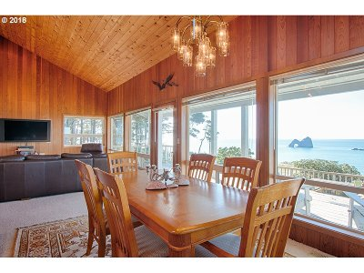 Gold Beach Single Family Home For Sale: 94458 Byrdies Rd