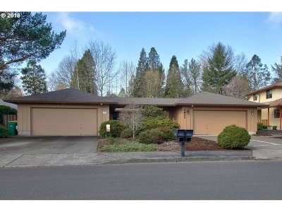 Portland Single Family Home For Sale: 7911 SW Skyhar Dr
