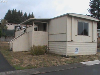 Dundee Single Family Home For Sale: 906 SW Alder St #4