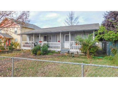Roseburg Multi Family Home For Sale: 436 NE Jackson St