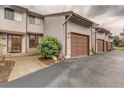 Happy Valley Condo/Townhouse For Sale: 12041 SE 104th Ct