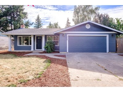 Woodburn Single Family Home For Sale: 206 Willow Ave