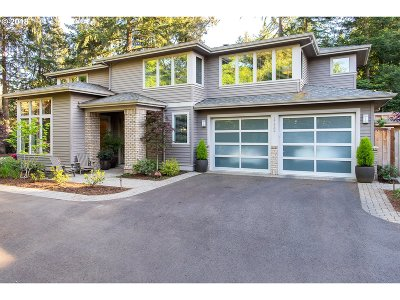 Lake Oswego Single Family Home For Sale: 17432 Kelok Rd