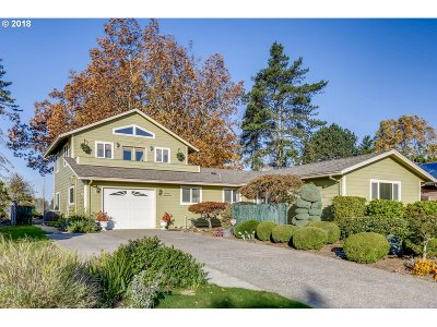 Gresham, Troutdale, Fairview Single Family Home For Sale: 1325 NE Country Club Ave